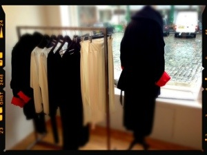 Fashion display pop up shop