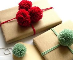 Christmas gift wrapping pom pom ideas